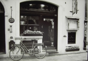 02 Shop with bicycle